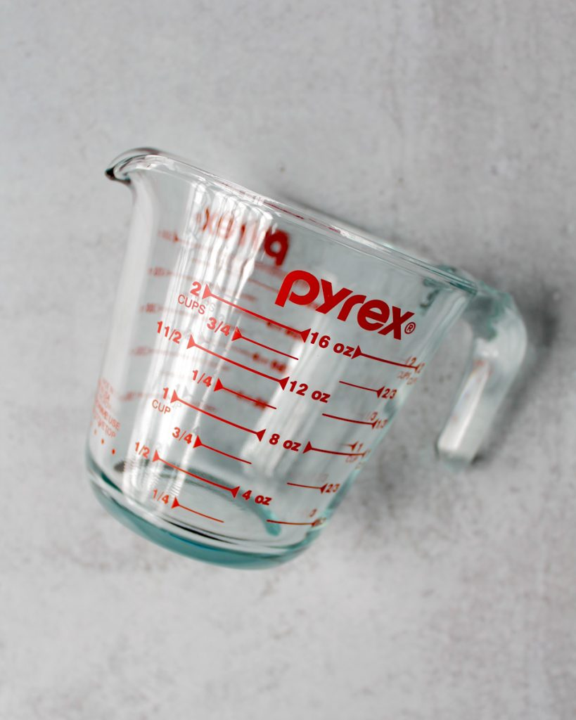 Pyrex glass 2 cups measuring cup. Kitchen essentials.
